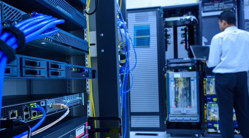 IT-fiber-server-room